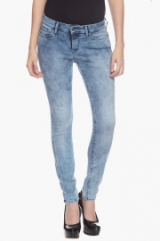 Levis Womens Medium Rise Skinny Fit Jeans