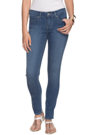 Levis Women Slim Fit Ankle Length Jeans