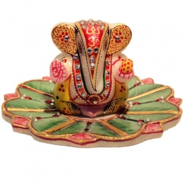 Ganesha Idol On Floral Tray (marble)