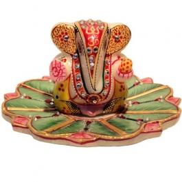 Ganesha Idol On Floral Tray (marble)