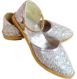 Shopoj Women White Heels