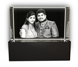 Aadya 3d Crystal Engraved Gifts - Couple 3d Photo Personalized Laser Engraved Crystal Cube 5x5x8 Cm