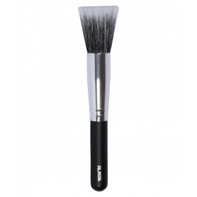 Almon Foundation Brush 30 Gm