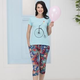 Printed T-shirt & Capri Set