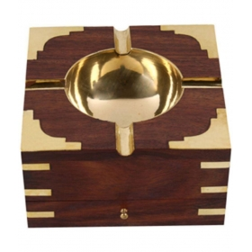 Table Top Wooden Ash Tray For Cigarette/cigar Etc {size(inch):2.6x4.7x4.7 /craft-0270}
