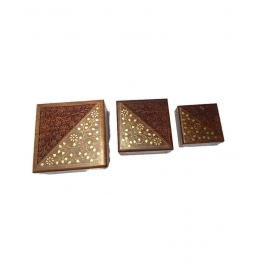 Desi Karigar Set Of Three Square Shaped Jewellery Boxes With Brass And Carved Work