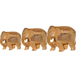 Jali Wooden Elephant Set With Baby Elephant Showpiece - 12 Cm  (wooden, Brown)