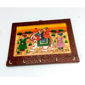 Royals Handcrafted And Handpainted Wooden Keyholder