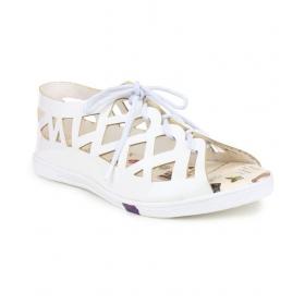 Steps White Flats