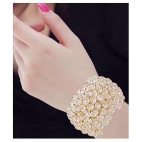 Alloy Rhodium Plating Crystal Studded White Coloured Bracelet