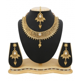 Golden Necklace Set With Maang Tikka For Women