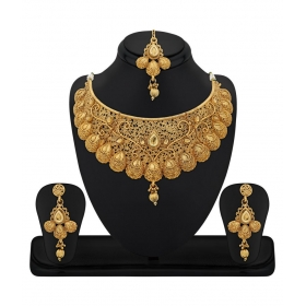 Zinc Gold Plated Kundan Golden Choker Necklace Set With Maang Tikka For Women
