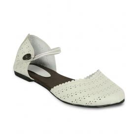 Studio 9 White Flat Sandals
