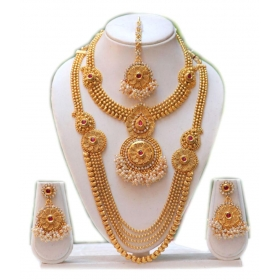Golden Necklace Set With Maang Tikka