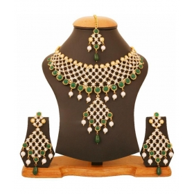Golden Alloy Necklace Set With Maang Tika